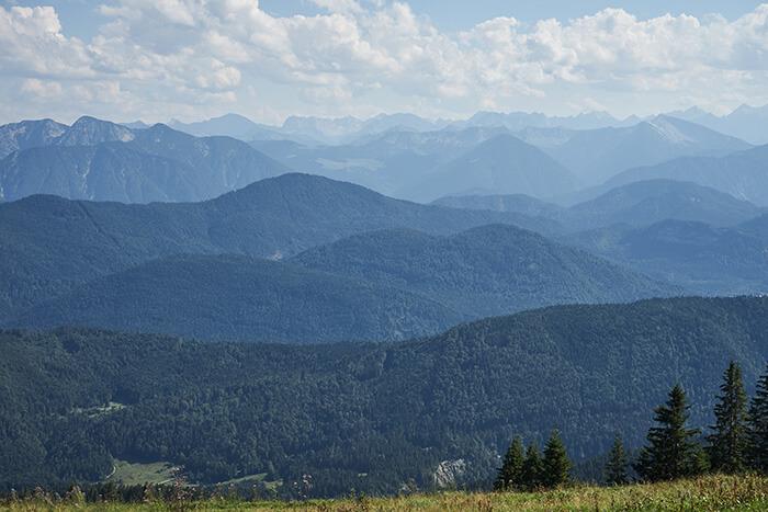 Panoramablick über das Gebirge