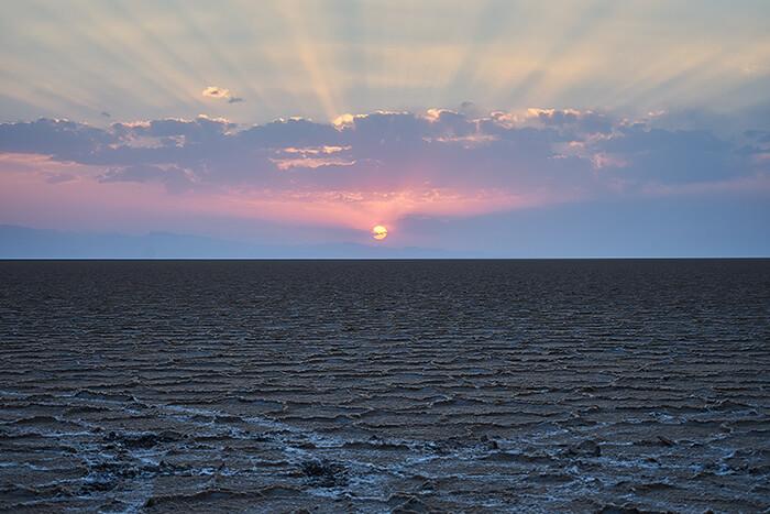 Backpacking im Iran Sonnenuntergang Namak Salzsee