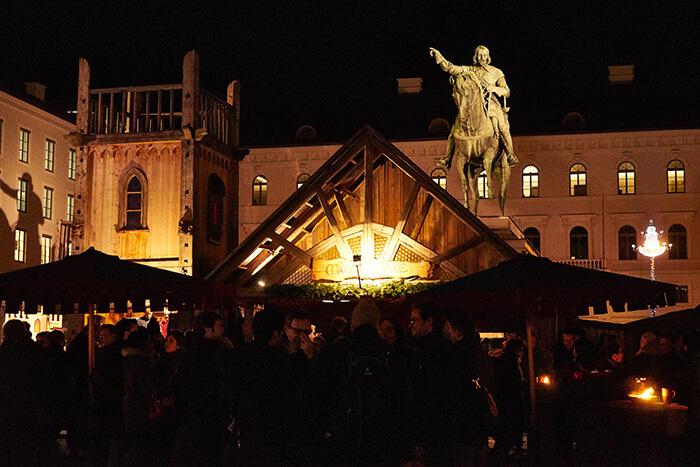 Wittelsbacherplatz Weihnachtsmarkt