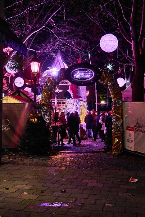 schönster Weihnachtsmarkt in München Pink Christmas Glockenbach