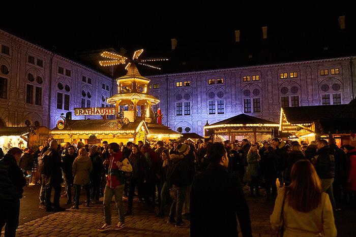 Weihnachtsdorf alte Residenz besondere Weihnachtsmärkte in München