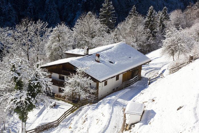 Hütte im Winter