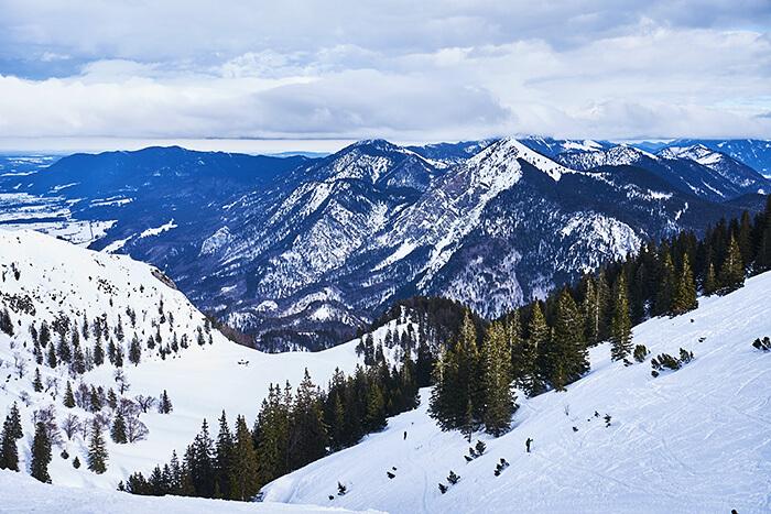 Blick ins Tal vom Berggasthof Herzogstand