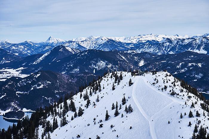 Wandern am Herzogstand im Winter auf den Martinskopf