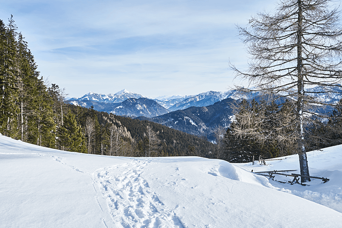 Berge in der Ferne im Winter