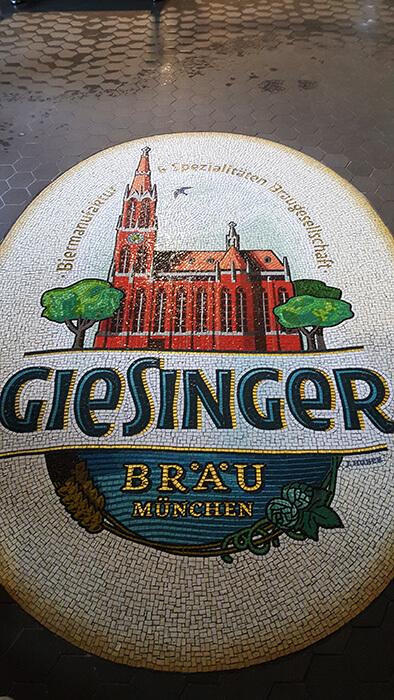 Bodenmosaik im Giesinger Bräu