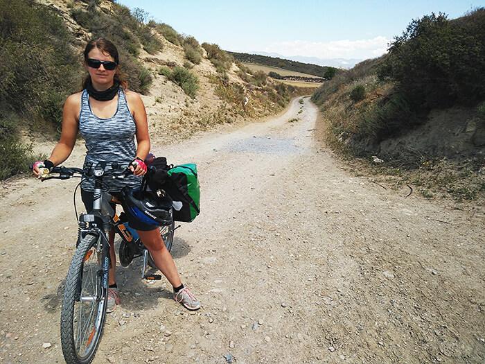 Silvia fertig bei der Fahrradreise