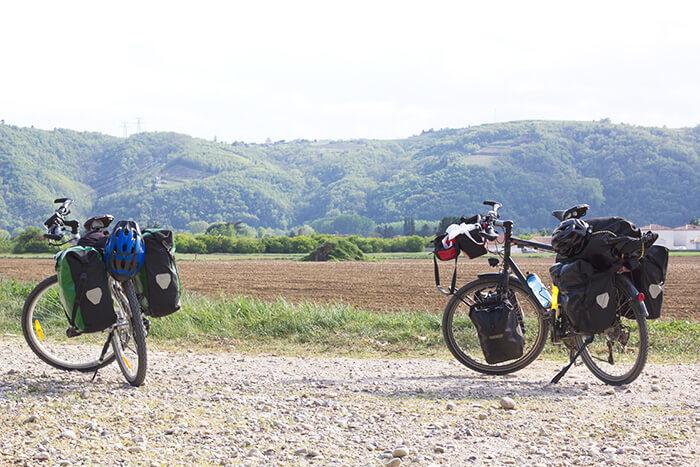Fahrrad-Packtaschen auf Radreise Packliste Radreise & Fahrradtour