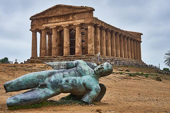 Agrigento Tal der Tempel Statue