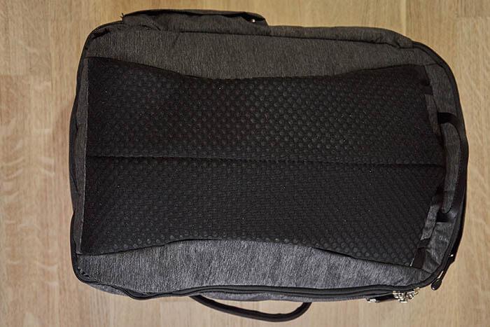 Rucksack von hinten ohne Träger