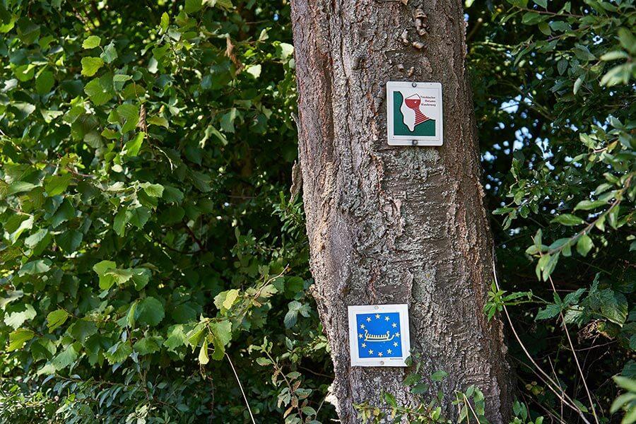 Kennzeichnung des fränkishcen Rotweinwanderweges